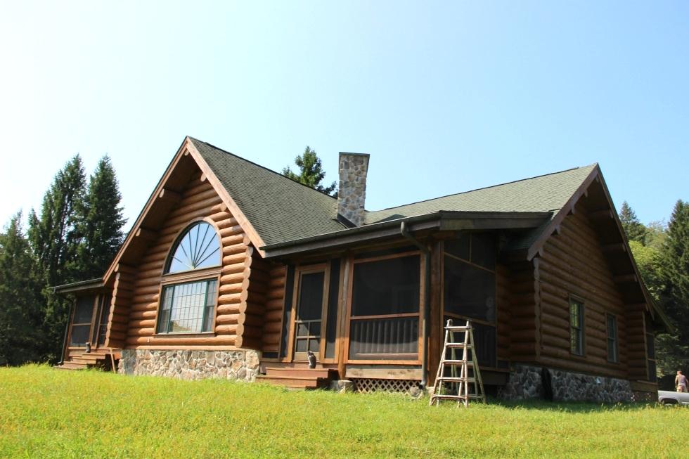 Log Home Caulking and Sealing Log Caulking